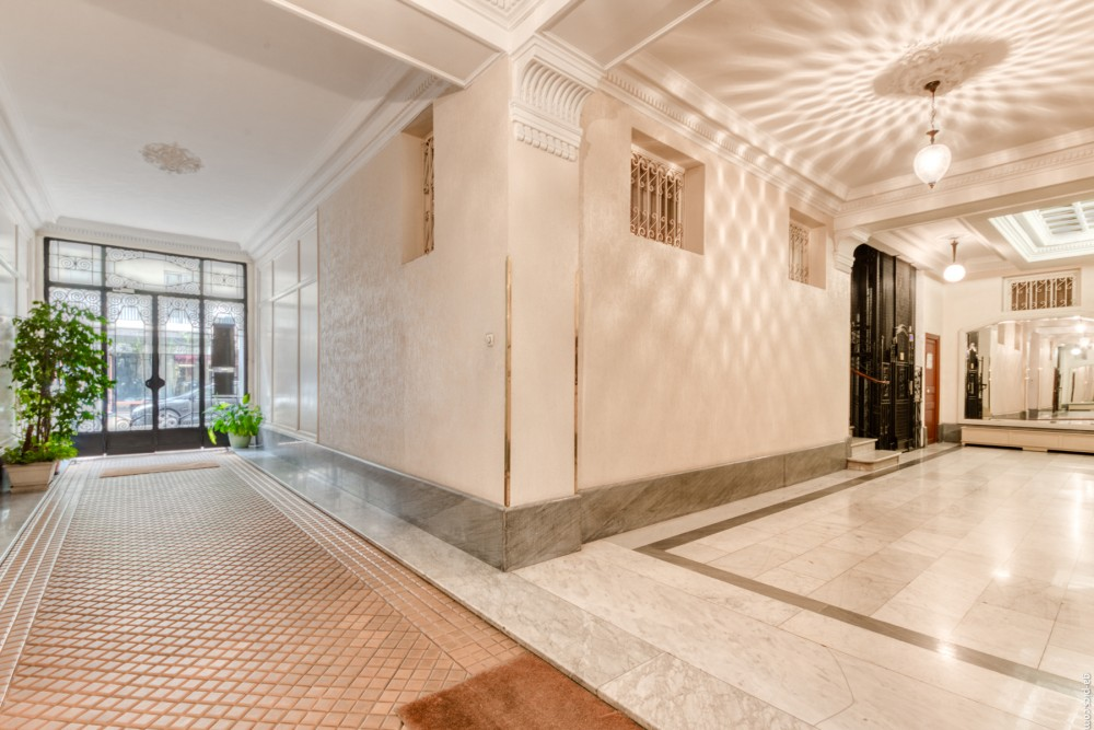 3 bed Property For Sale in Nice,  - 13