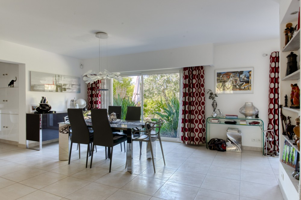 3 bed Property For Sale in Outside Nice,  - 3