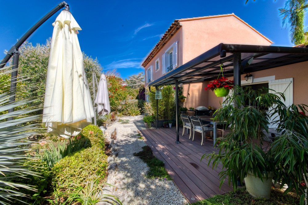 3 bed Property For Sale in Outside Nice,  - thumb 1
