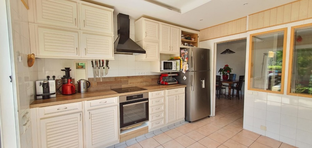 5 bed Property For Sale in ,  - 10