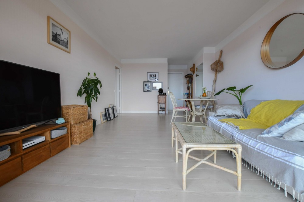1 bed Property For Sale in Outside Nice,  - 3