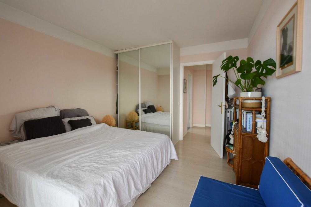 1 bed Property For Sale in Outside Nice,  - thumb 7