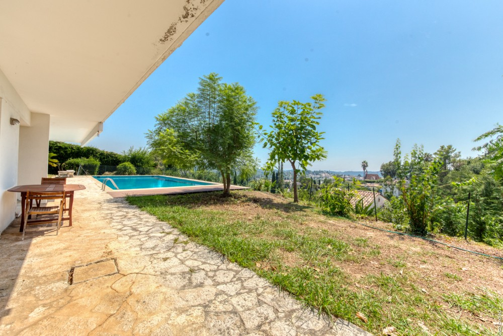 6 bed Property For Sale in Outside Nice,  - 33