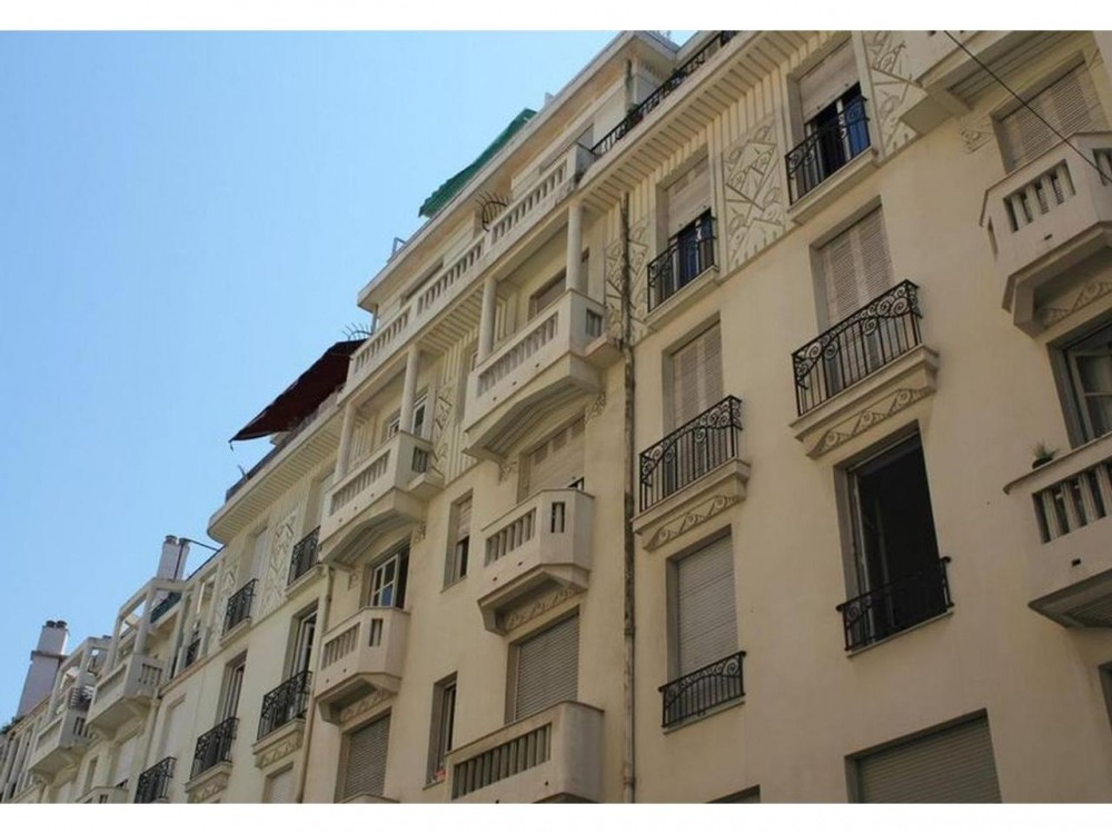 1 bed Property For Sale in Nice,  - thumb 5