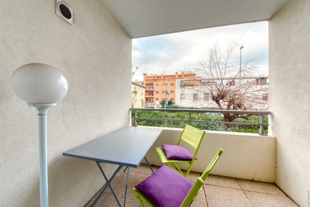 1 bed Property For Sale in Outside Nice,  - 1