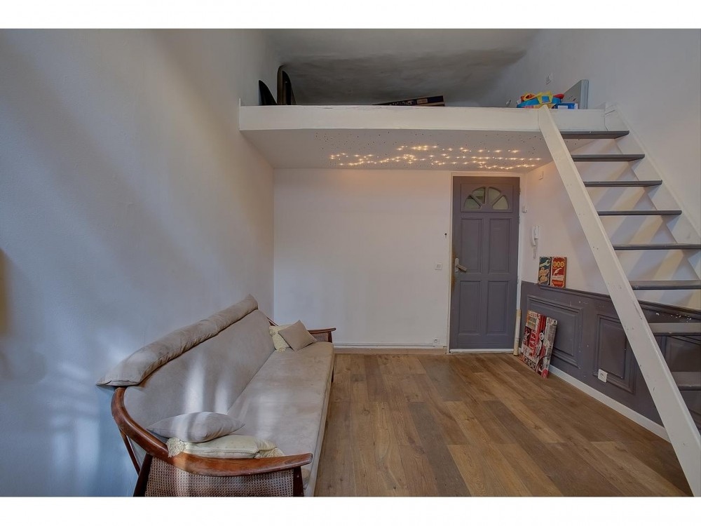 1 bed Property For Sale in Nice,  - 10