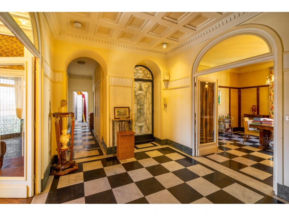 5 bed Property For Sale in Nice,  - 4