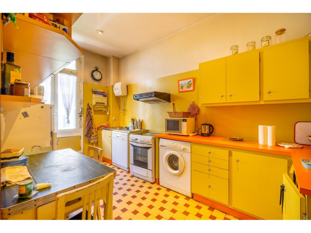 5 bed Property For Sale in Nice,  - 7