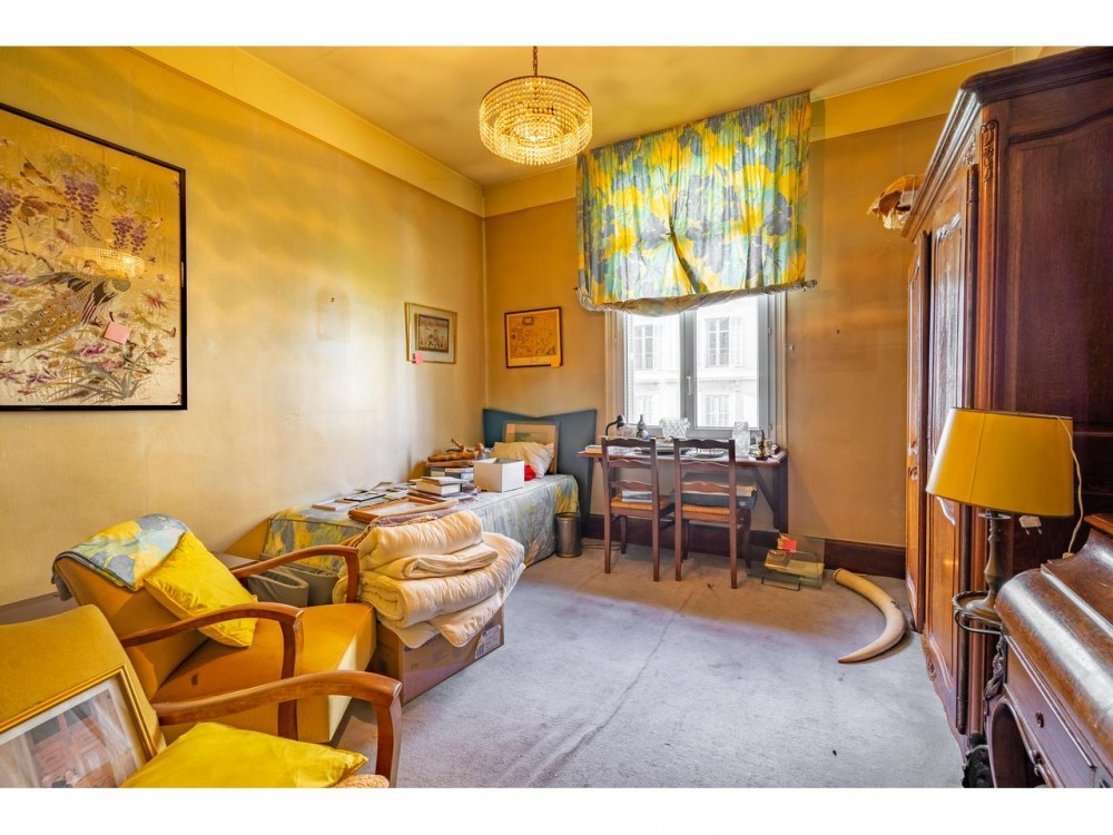 5 bed Property For Sale in Nice,  - 12