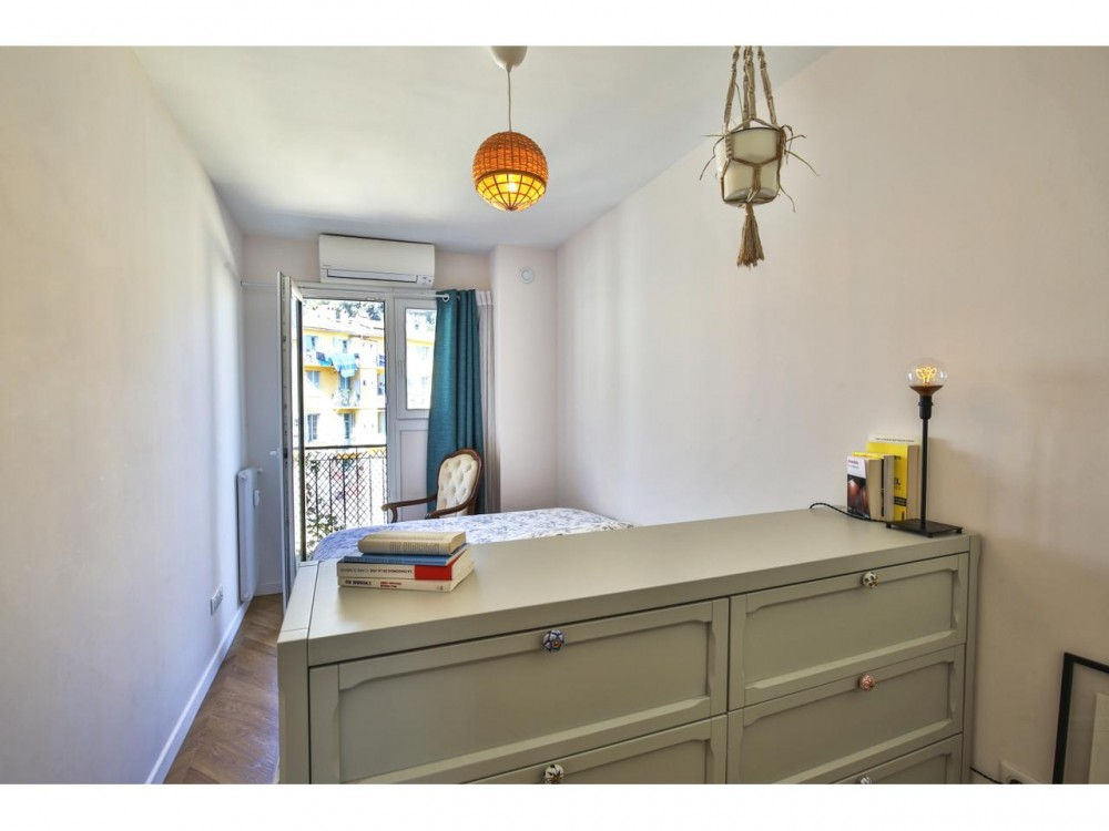 2 bed Property For Sale in Nice,  - 5