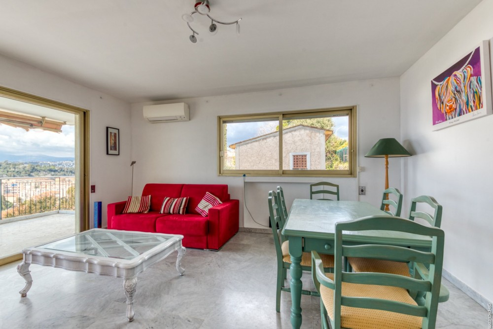 2 bed Property For Sale in Nice,  - 7