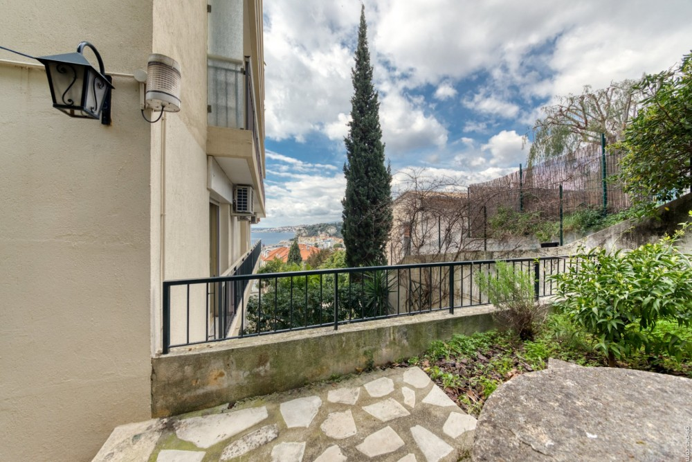 2 bed Property For Sale in Nice,  - 22