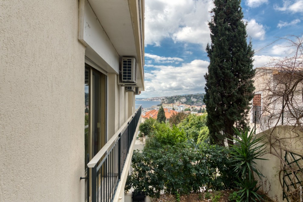 2 bed Property For Sale in Nice,  - 23