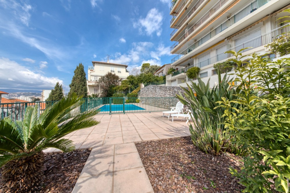 2 bed Property For Sale in Nice,  - 26